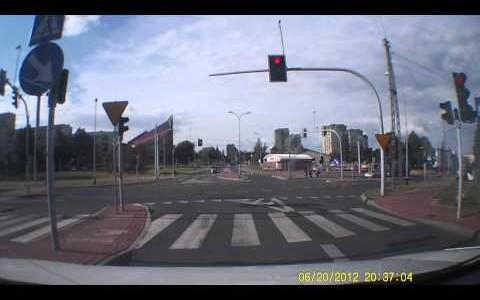 rejestrator-trasy-kamera-samochodowa